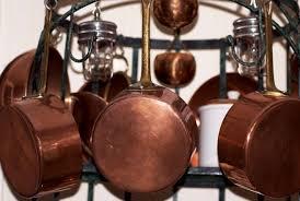 Cacharros (cazos y perolas) Antiguos pero bien conservados, de bronce y Recogidos Gratis