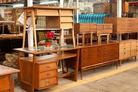 Muebles expuestos en Rastro