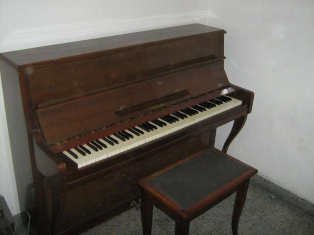 Piano de Libro antiguo